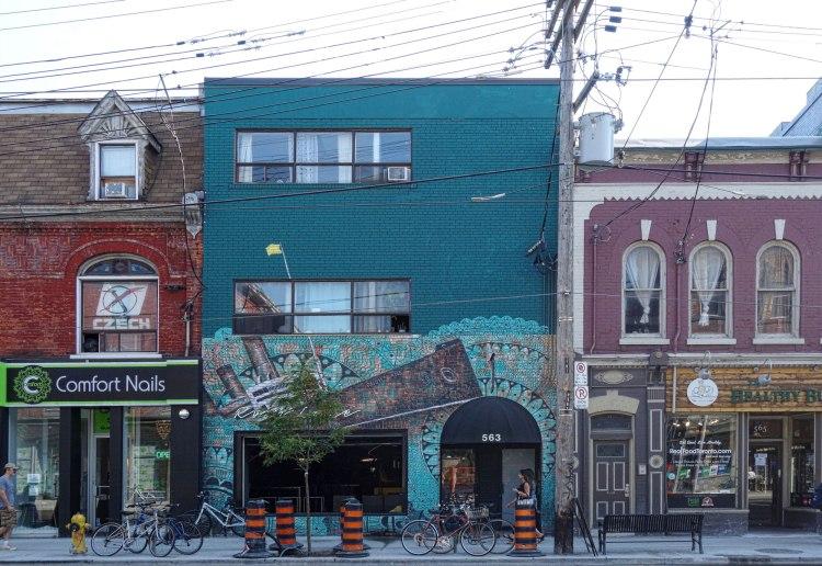Toronto Queen St W