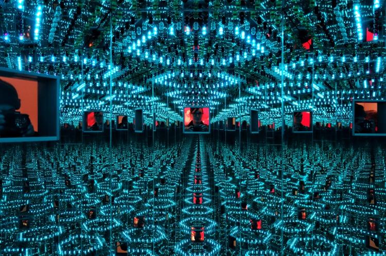 Yayoi Kusama Infinity Mirrors (5)