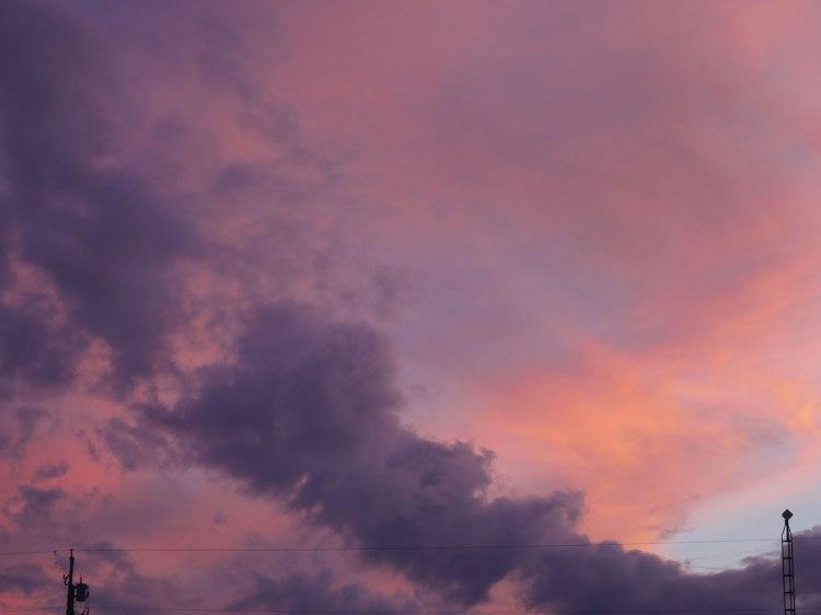 Ciel violet sur Montréal