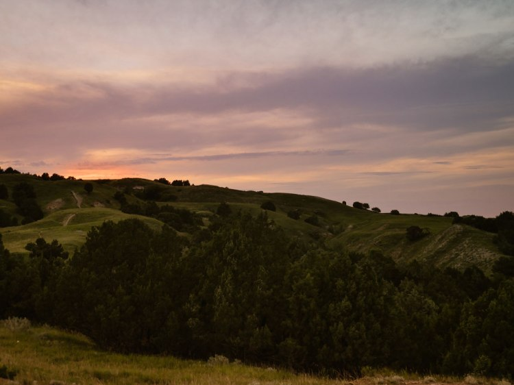 Badlands-National-Park-sunset-camping-whereiscoralie