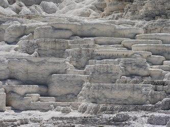 Mammoth Hot Springs Yellowstone (12)